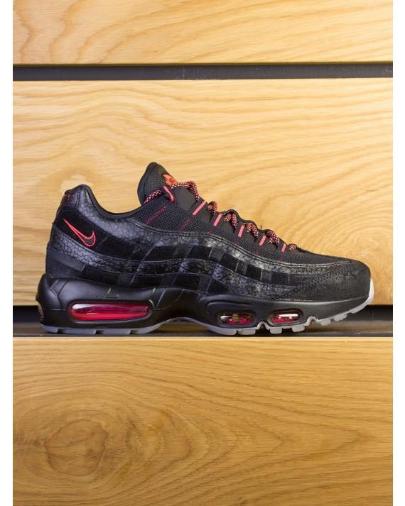 "Nike Air Max 95 ""Keep Rippin Stop Slippin'"" - Black Infrared"