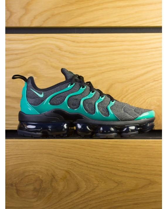 Nike Air Vapormax Plus - Black Emerald Cool Grey
