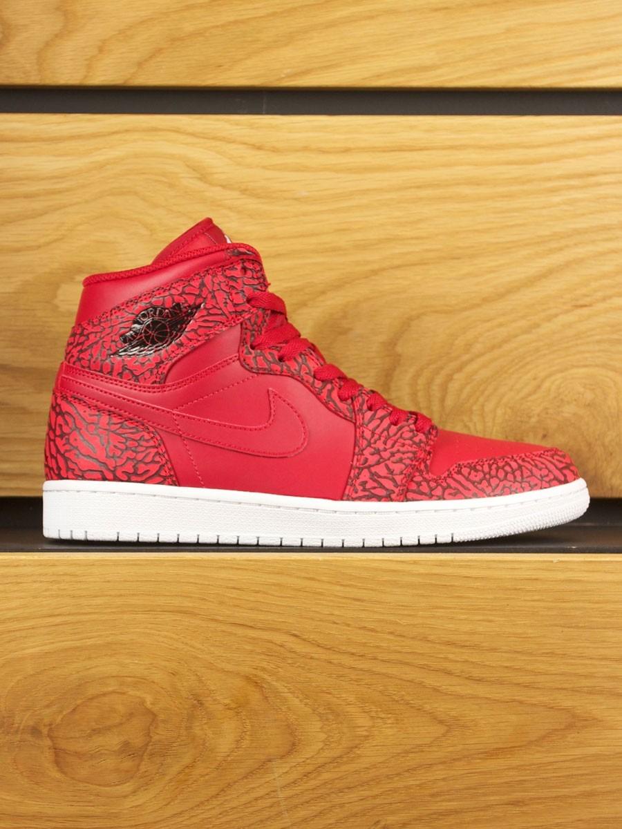 3983fe39658f9a Nike Air Jordan 1 Retro High  Un-Supreme  Cement - Red