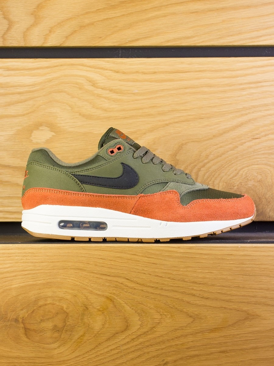 c298f0a701 nike-air-max-1-olive-canvas-black-russet-01.jpg