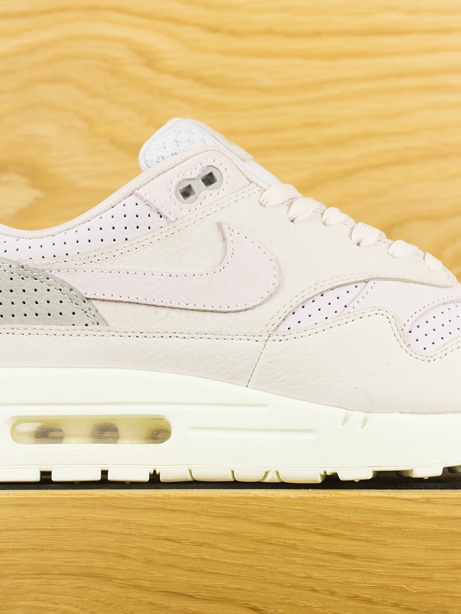 new product f95f9 4cc3e NikeLab Air Max 1 Pinnacle - Silt Red Arctic Pink