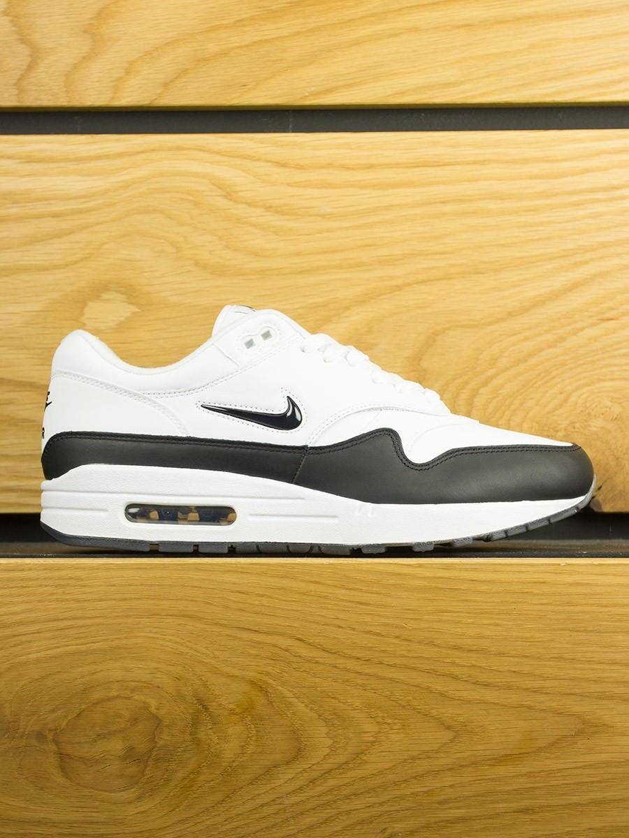 huge discount 1ee78 8a12d nike-air-max-1-sc-jewel-white-black-01.jpg
