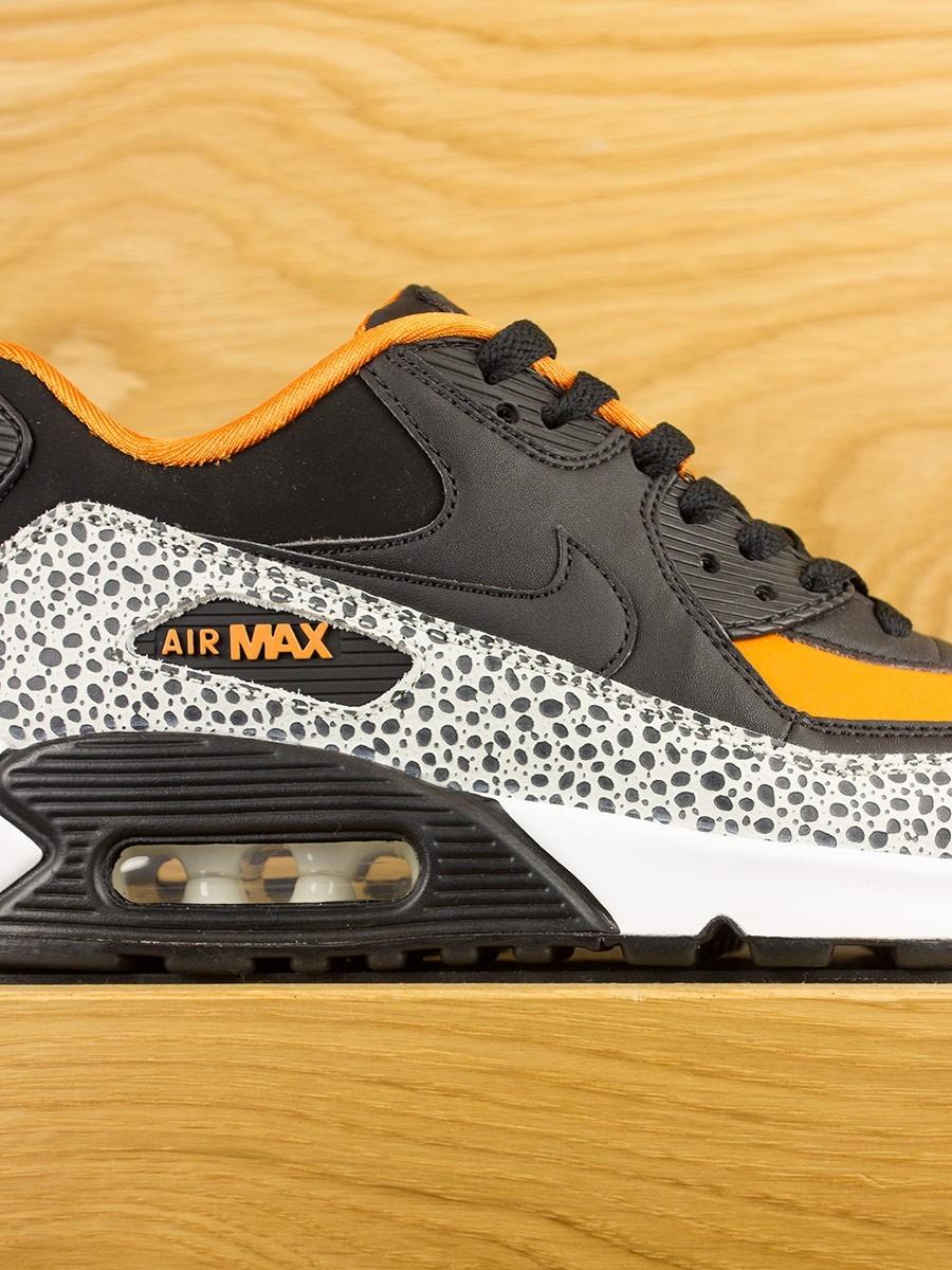 nike air max 90 gs safari white black clay orange