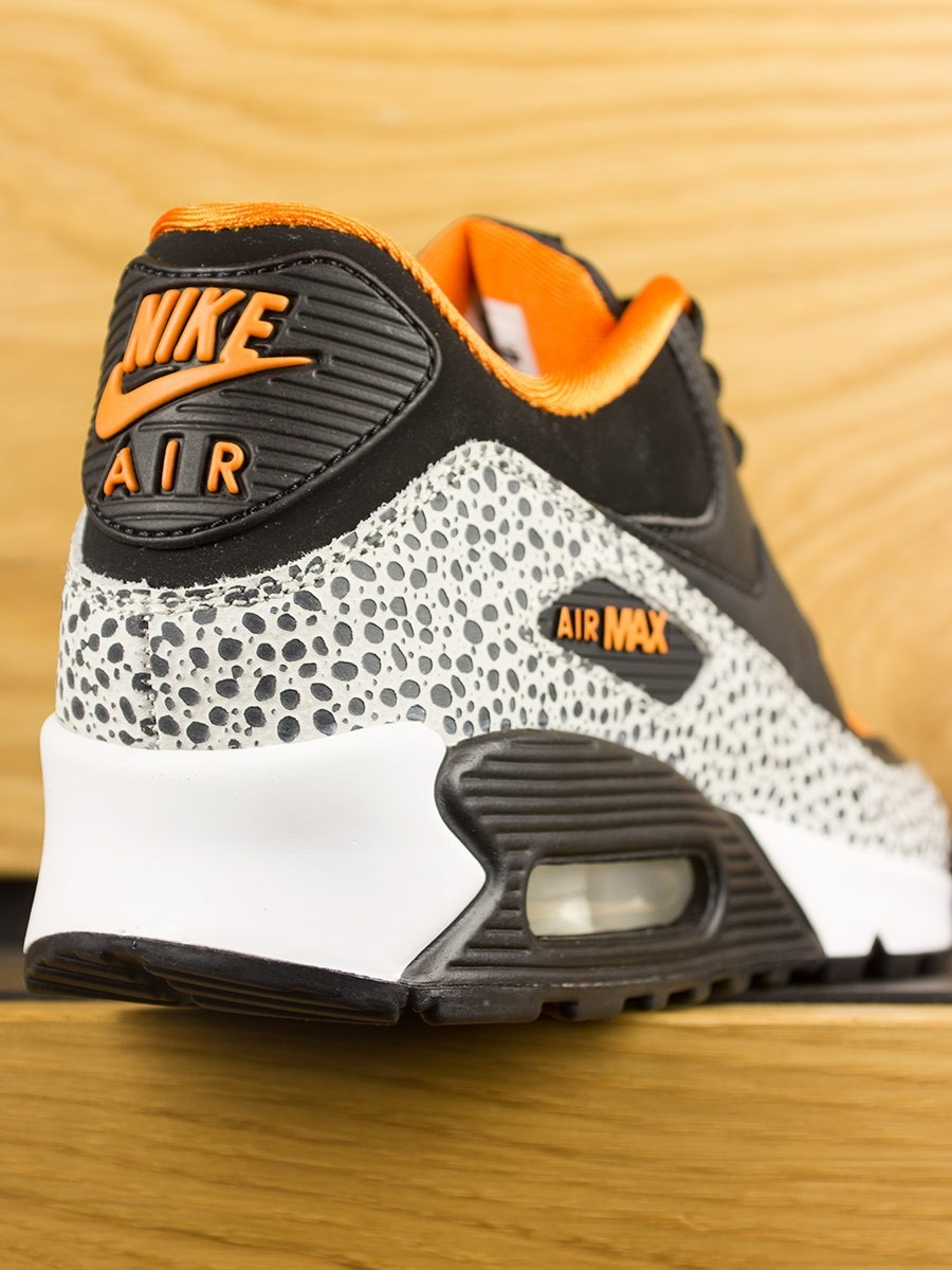 the latest 98fd9 ad607 Nike Air Max 90 (GS) Safari - White Black Clay Orange