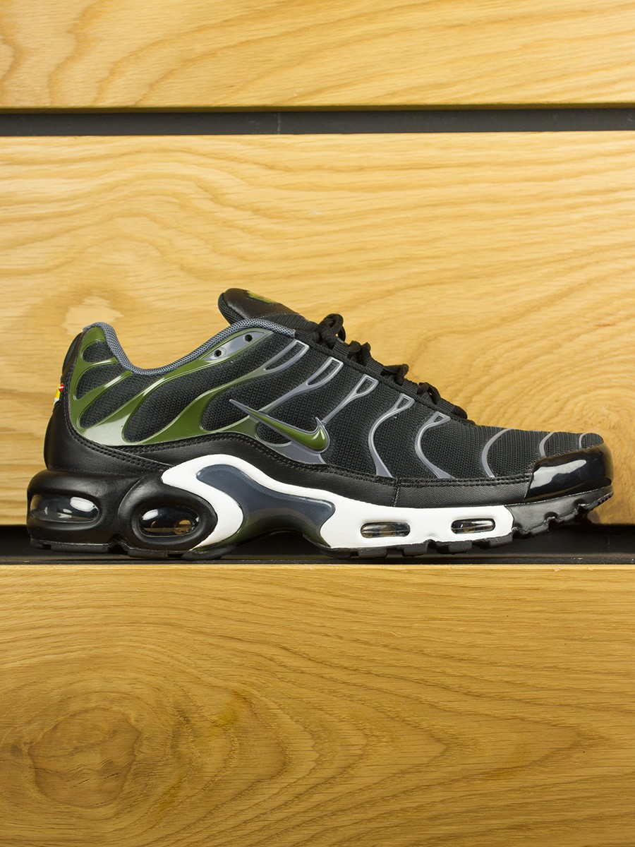 Air Max Plus (TN) Black Legion Green