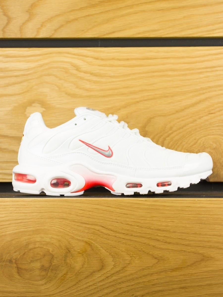 a80594759e9bd Nike Air Max Plus (TN) - White Wolf Grey Bright Crimson