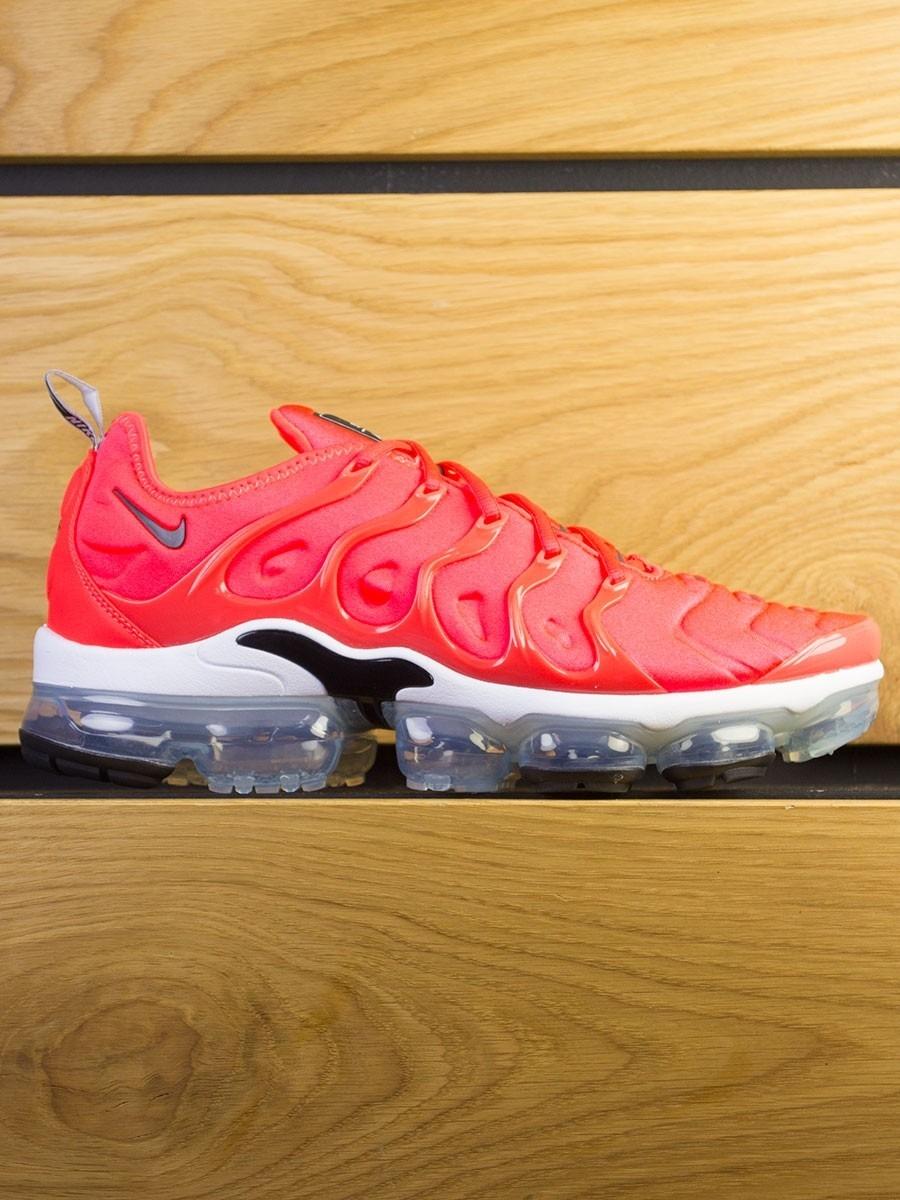 d7e5bf2d6e8c Nike Air Vapormax Plus - Bright Crimson Black White