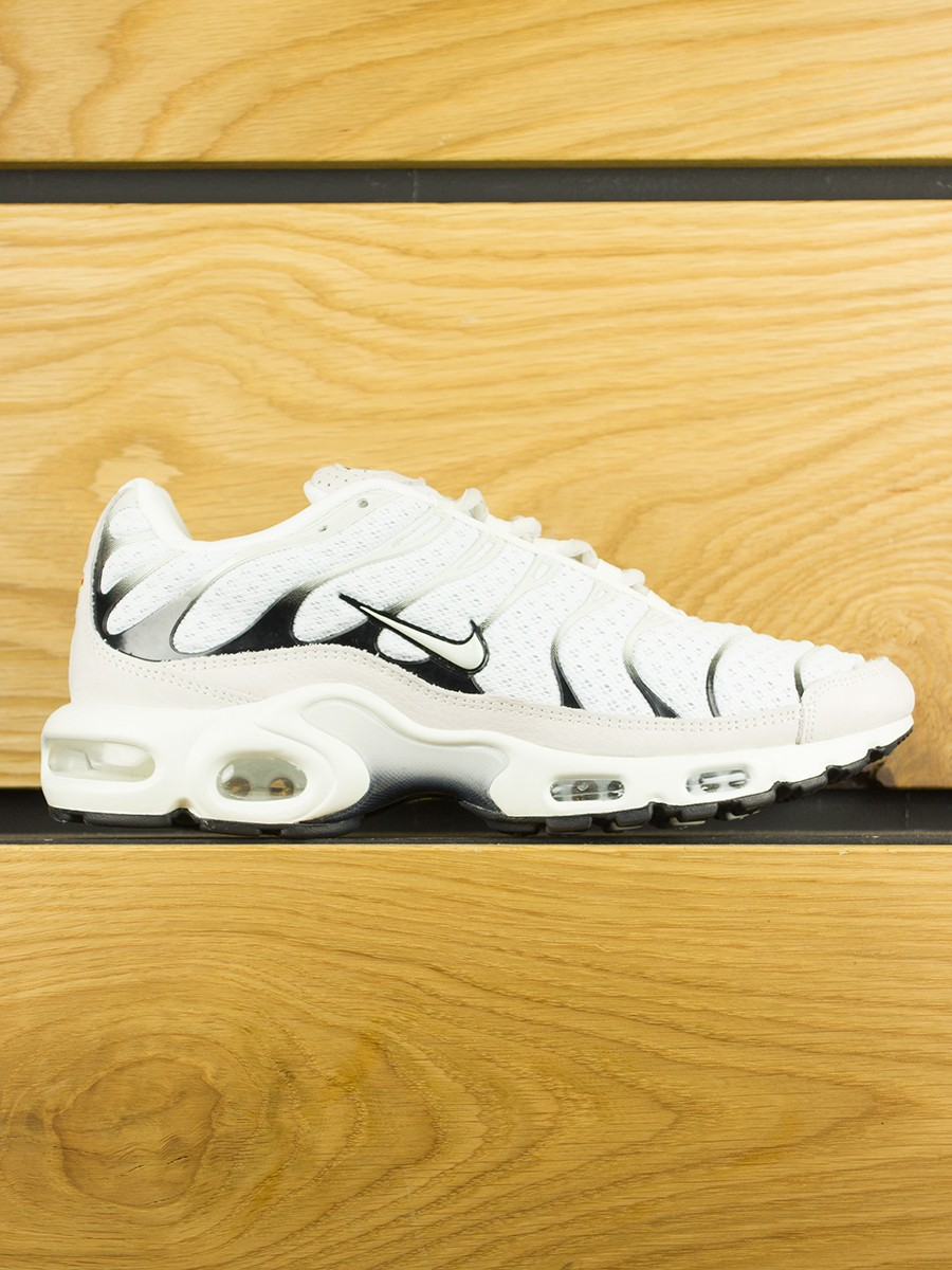 eb212e0fa7 NikeLab Air Max Plus (TN) - Sail Black Salsa Red