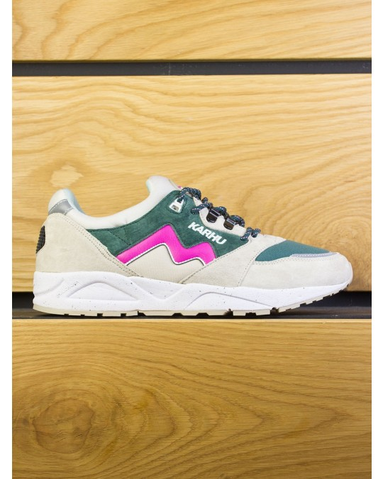 "Karhu Aria ""Winter Pack"" - Peyote June Bug"