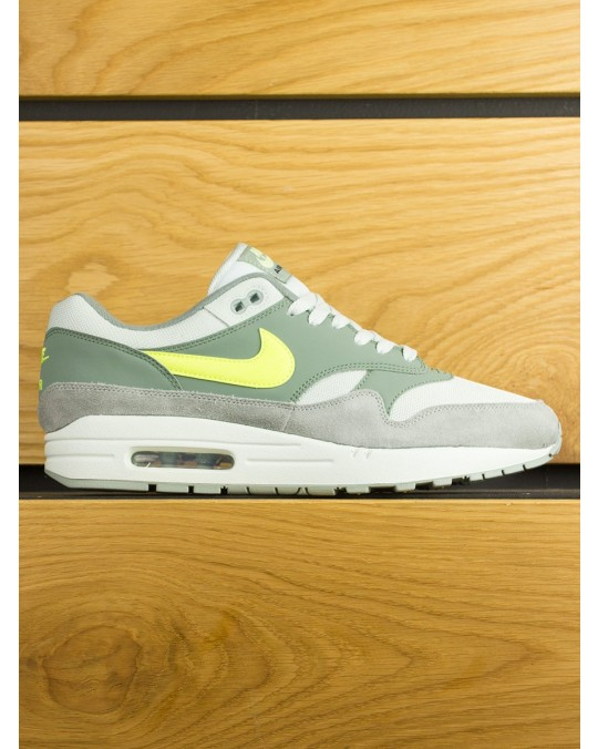 Nike Air Max 1 - Mica Green Clay Green Volt