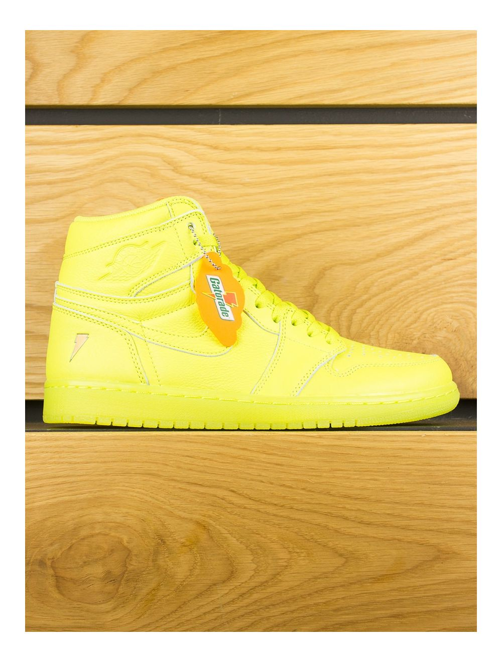 premium selection 356a0 021b8 Nike Air Jordan 1 Retro High OG x Gatorade