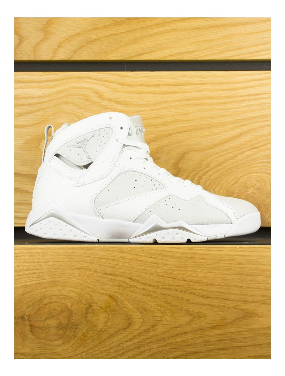 huge selection of 321e1 92187 Nike Air Jordan 7 Retro - White Metallic Silver