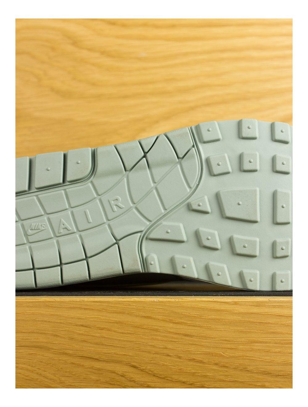 Nike Air Max 1 Mica Green Clay Green Volt