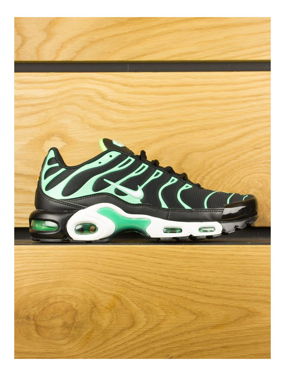 new product 0d009 7ac2d nike-air-max-plus-tn-black-electric-greenn-01a.jpg