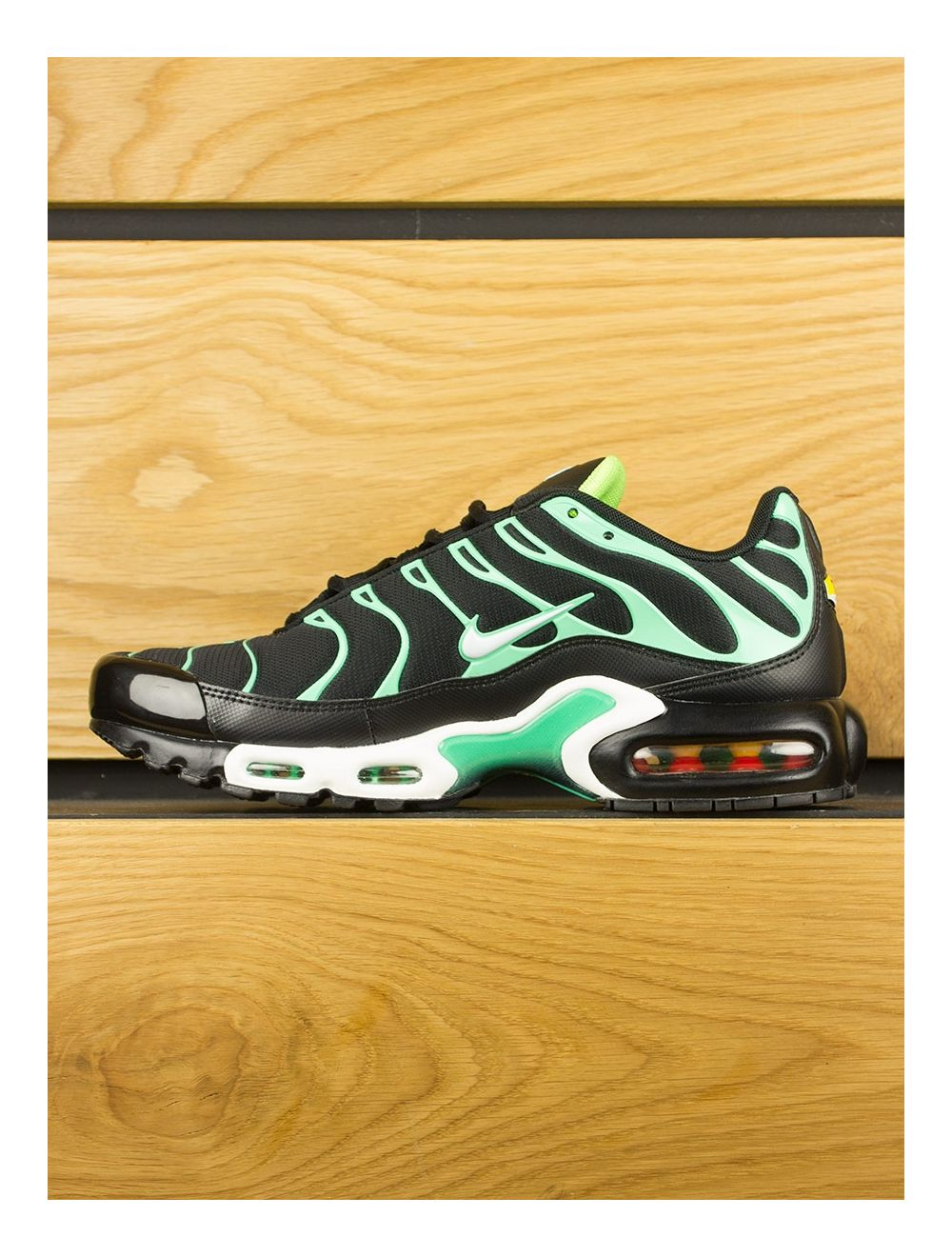détaillant en ligne d279b 9fb7c Nike Air Max Plus (TN) - Black White Electric Green